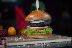 Romanian Burger image