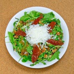 Salată de rucola cu Kefalotiri image