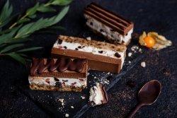 80001 - Tort Choco Crunchy (Produs Congelat)/ Choco crunchy cake image