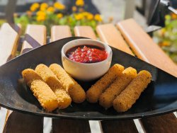 Sticksuri de mozzarella pane/ Mozzarella Sticks                                                   image