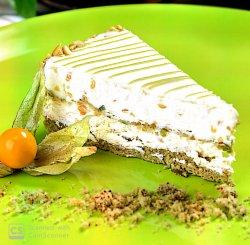 Pistacchio cake image