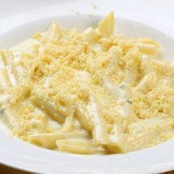Penne cu patru brânzeturi image