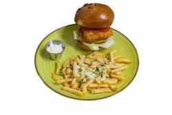 Fish Burger servit cu cartofi pai cu parmezan si usturoi + sos de smantana cu usturoi image