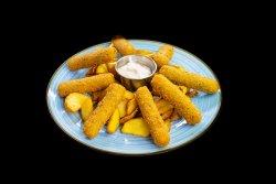 mozzarella sticks servite cu cartofi wedges + sos 1000 insule image