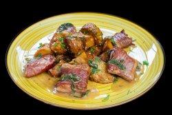 Saltimbocca din muschiulet de porc cu cartofi crispy  image
