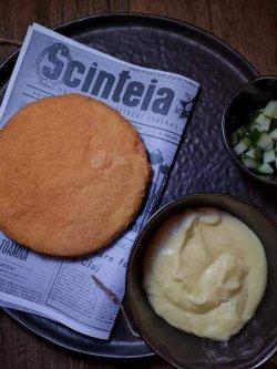 1989 ......parizer de CALITATE  SUPERIOARA  în crustă de Panko cu muștar de Tecuci cartofi piure cu unt si castraveciori murati crokant. image