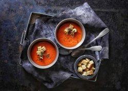 Supă de rosii concasse cu camembert topit în tigaie ++++ crutoane prăjite.  image