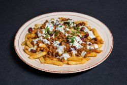 50% reducere: Chilli Con Carne Loaded Fries image