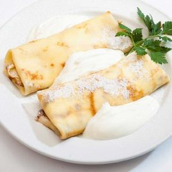 Clătite cu brânză și dulceață / Pancakes with cheese and raisins image