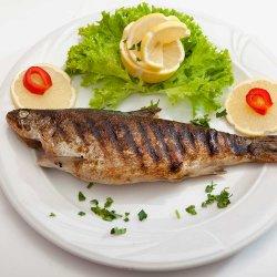 Păstrăv la grătar/Grilled trout image