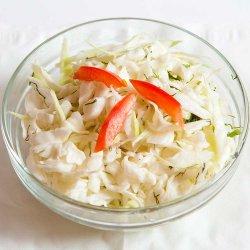 Salată de varză albă / Cabbage salad image