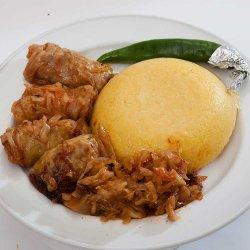 Sărmăluțe in foi de varză cu mămpligă și ardei/Cabbage rolls with polenta and hot peppers image