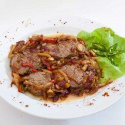 Tigaie picantă de vită/ Hot beef pan image
