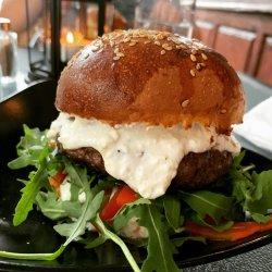 Burger Camur & Cartofi Prăjiți  image