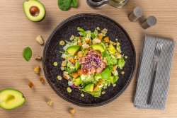 Salata cu avocado si crispy bacon (420g) image