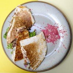 Beef quesadilla image