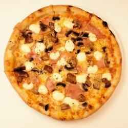 pizza prosciutto e funghi misti  image
