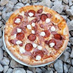 Pizza il monte di carne  image