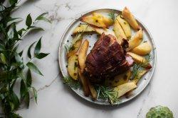 Ciolan afumat crocant / Crunchy smoked pork leg