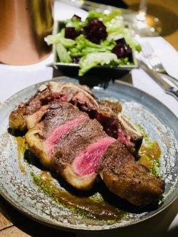 Steak de Vrăbioară de vită Charolais maturată (cu os) image