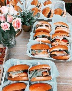 Platou burger 6V + cartofi image