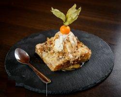 Kataif de mere cu sos de vanilie, înghețată și physalis image