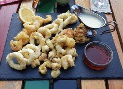 Platou cu fructe de mare în tempura cu sos teriyaki image