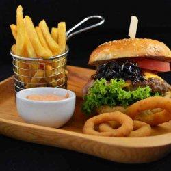 50% reducere: Pub`s burger image
