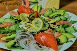 Salata salmon