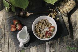 Iaurt grecesc cu granola și miere image
