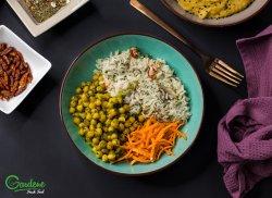Mâncare de năut cu curry și lapte de cocos image