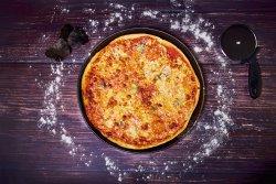 Pizza qutro formagi image