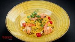 Spaghetti aglio, olio, gamberi and truffle salsa image