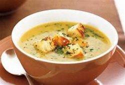 Supă crema de legume si pui,crutoane incluse image
