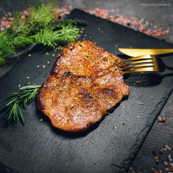 Ceafă de porc la grill image