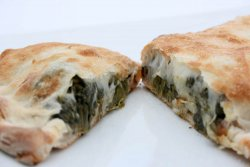 Pizza umpluta spinach