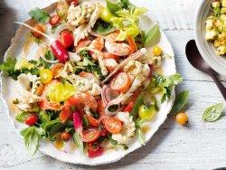 Salata cu fructe de mare image