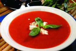 40% reducere: Supa cremă de roșii cu pesto de busuioc   image