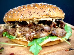 Burger Big Daddy Pulled Duck + Crispy Fries image