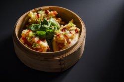 Creveți tempura cu Kimchi, chifle chinezești la aburi  / Tempura Shrimp with Kimchi, Chinese Steam Buns image