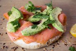 ! Recomandare - Smoked Salmon Avocado Bagel image