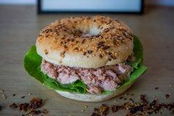 ! Recomnadare - Tuna Salad Bagel image