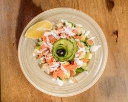 Salată de somon afumat image