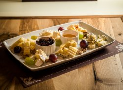 Platou de brânzeturi Rhedey image