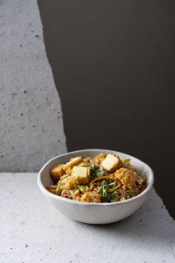 Orez prăjit cu crispy tofu  image