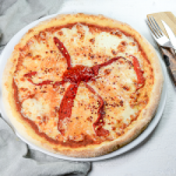 Pizza spicy pepper margherita  image