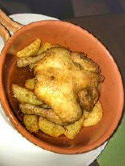Galeto al forno cu cartofi la cuptor image