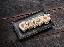 Salmon tempura maki image