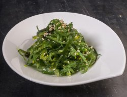 Wakame salad image