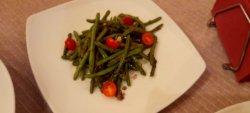 Fasole verde la tigaie cu usturoi și roșii cherry 180 g image